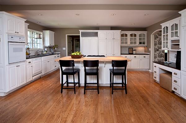 bright-kitchen-beige-walls-white-cabinets-web-600