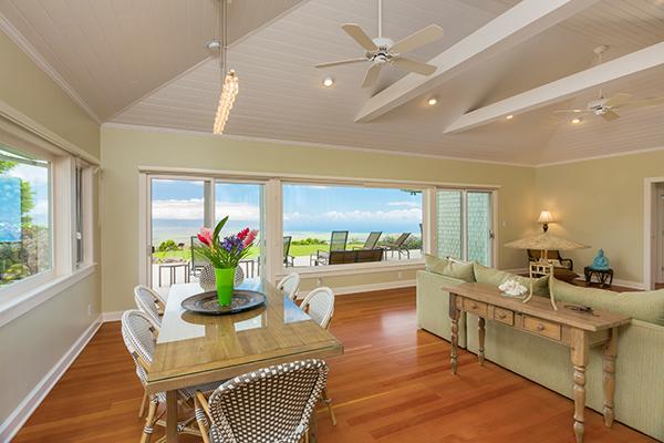 bright-kitchen-with-hardwood-floors-600-web