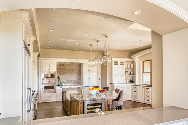 white-and-off-white-kitchen-color-scheme-web-600